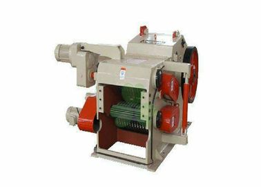 China Hard Wood Pulverizer Machine , Tree Branch Crusher Machine Compact Design distributor