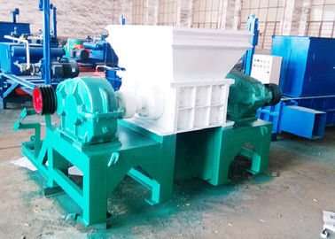 Φ300×30 Knife Size Twin Shaft Shredder / Waste Rubber Shredder Machine 11 Ton