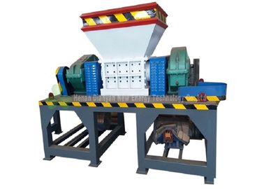 China Industrial Using Small Tire Recycling Plant / Durable Twin Shaft Tire Shredder distributor